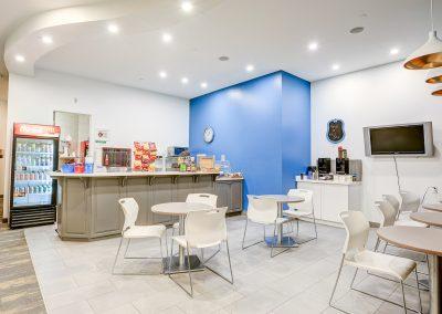 Burloak Towers - Cafe